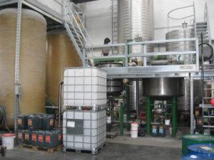 Colle per legno: impianto produzione colle vinicliche